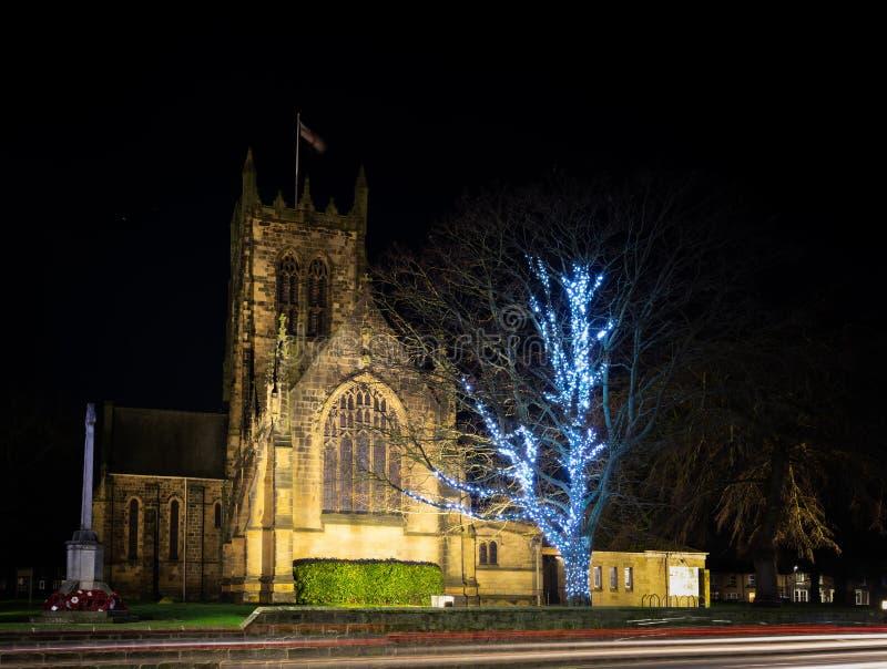 Iluminó la iglesia de todos los santos, Northallerton, Reino Unido fotografía de archivo