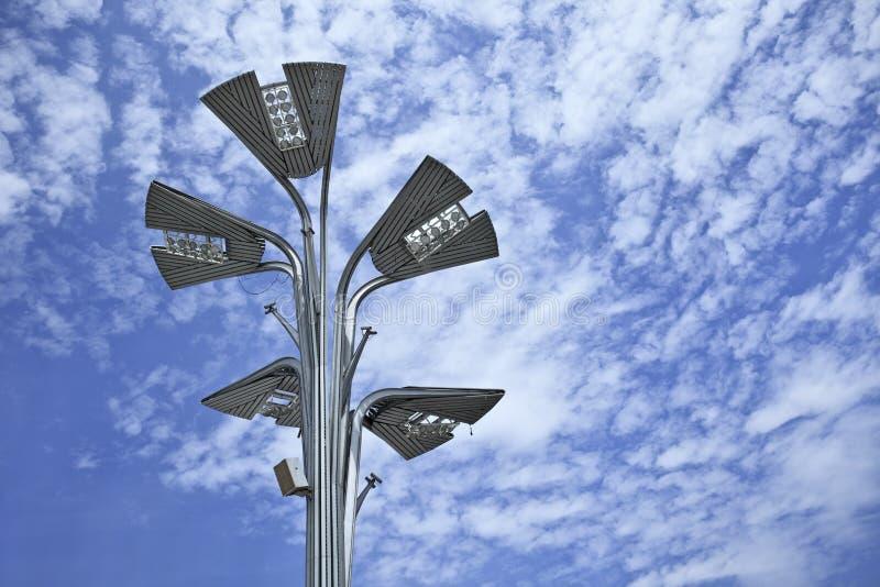 Iluminação dada forma original do diodo emissor de luz no parque olímpico do Pequim foto de stock
