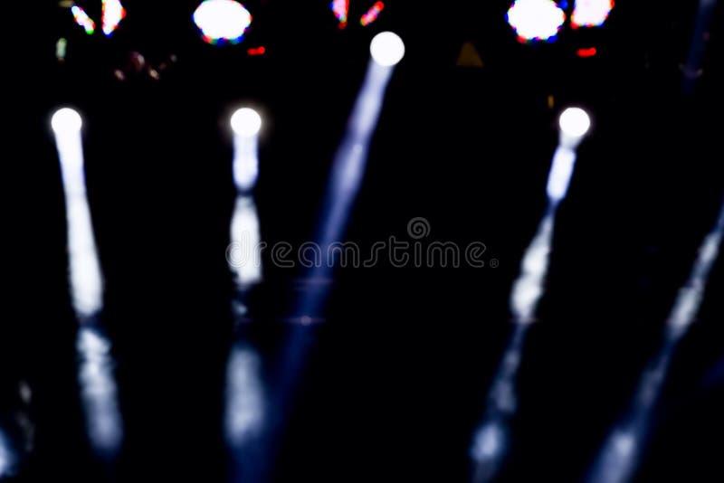 Iluminação Defocused do concerto do entretenimento na fase, bokeh imagens de stock