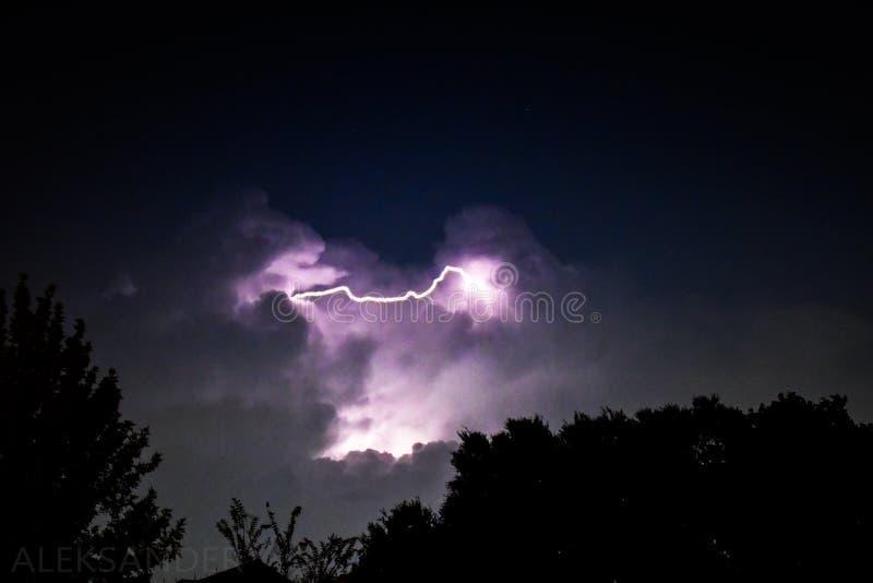 Iluminação do céu noturno foto de stock
