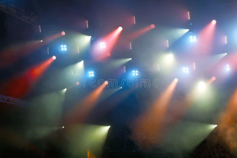Iluminación colorida del concierto fotos de archivo