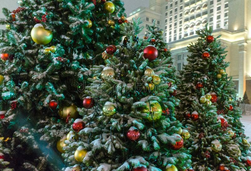 Iluminación de la noche de la Navidad en Moscú fotografía de archivo libre de regalías