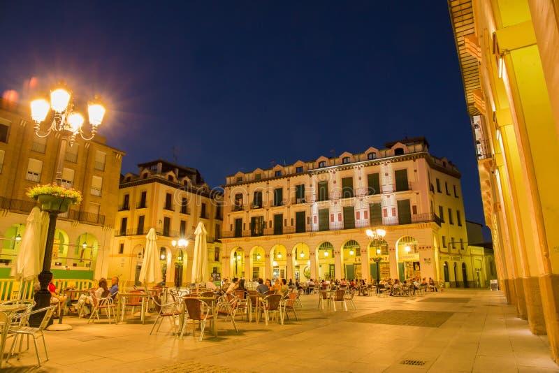 Iluminación de tarde de Luis Lopez Allue Square Huesca imagen de archivo