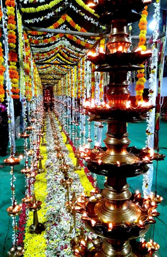 Iluminación del devoto de la especialidad en el festival fotografía de archivo