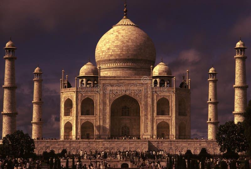 Iluminación dramática mahal de Taj fotos de archivo