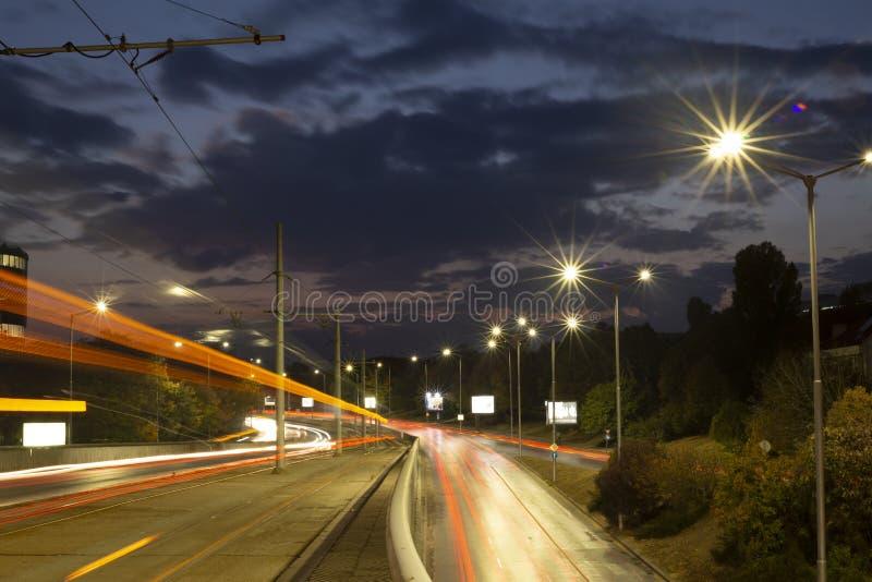 Iluminación en la ciudad de la noche fotografía de archivo libre de regalías