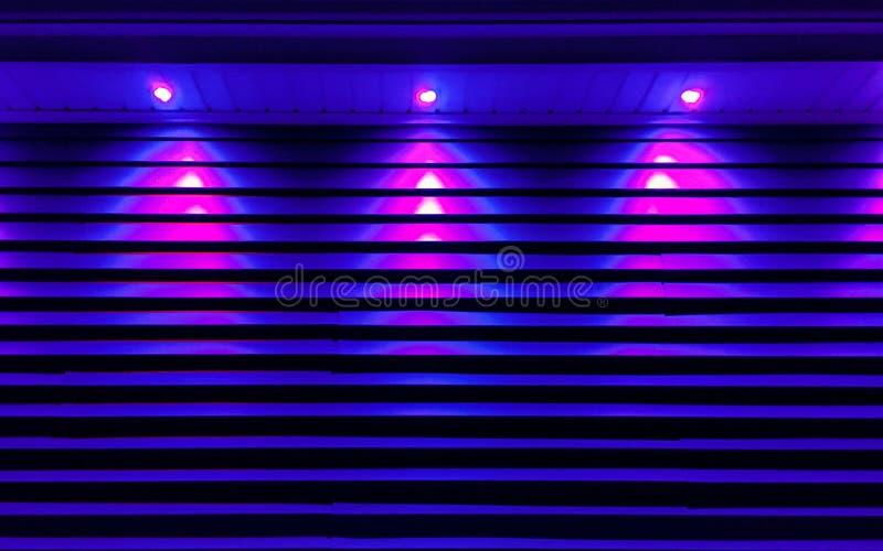 Iluminación ultravioleta del edificio fotografía de archivo