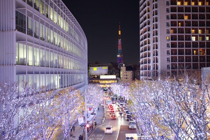 Iluminaciones de Tokio de la luz de la Navidad fotos de archivo