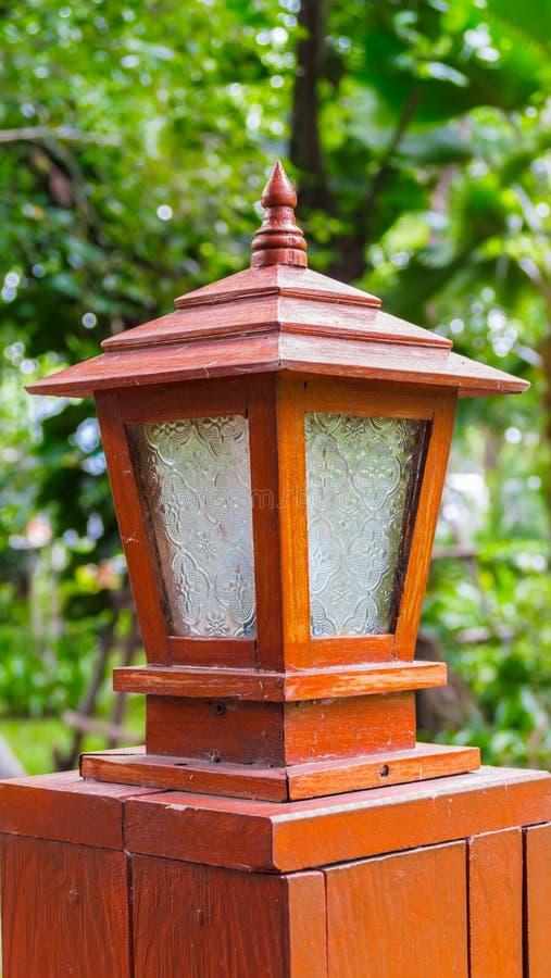 Iluminando-se no jardim, Tailândia imagem de stock royalty free