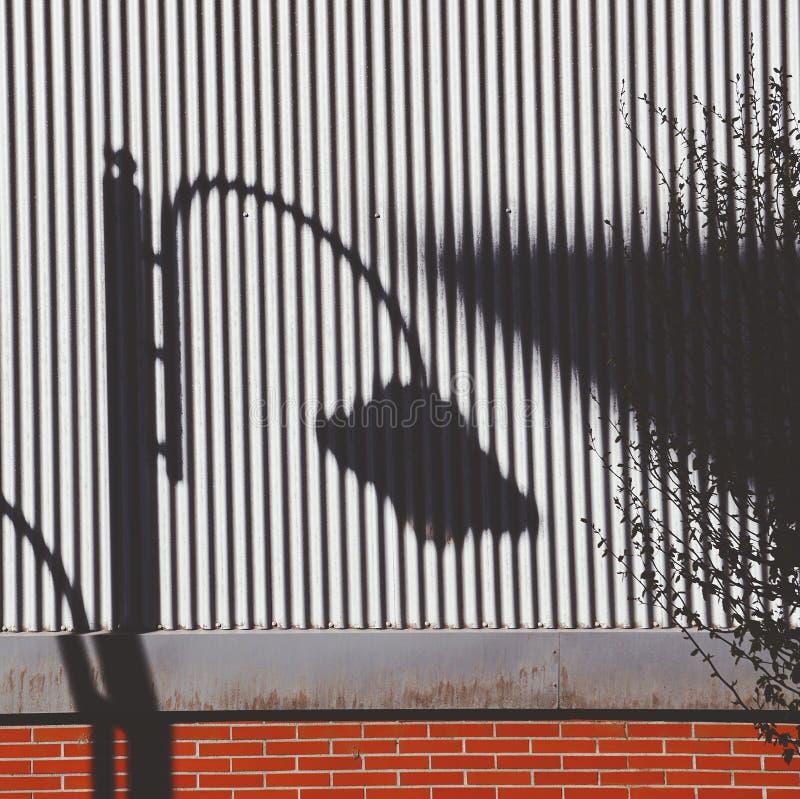 Iluminazione pubblica nella via nella citt? di Bilbao fotografie stock libere da diritti