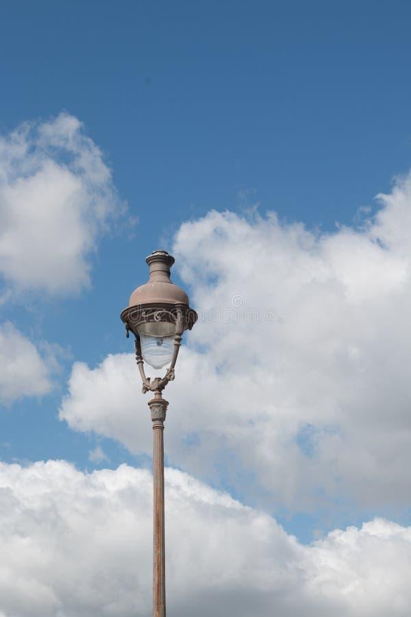 Iluminazione pubblica a Parigi fotografia stock libera da diritti
