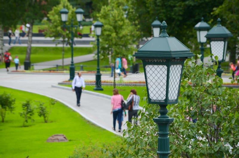 Iluminazioni pubbliche nel parco immagini stock