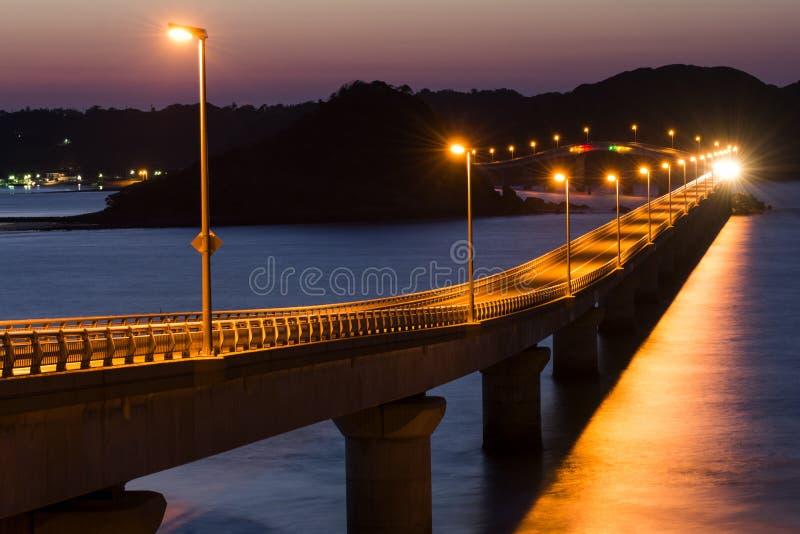 Ilumine acima a ponte fotografia de stock