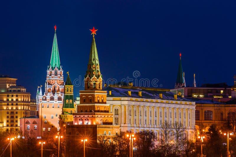 Iluminujący Moskwa Kremlin w zimie zdjęcie royalty free