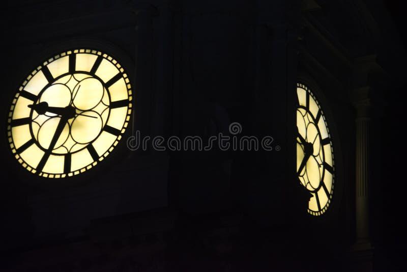 Iluminujący Zegarowy wierza, urząd miasta, Filadelfia zdjęcia stock