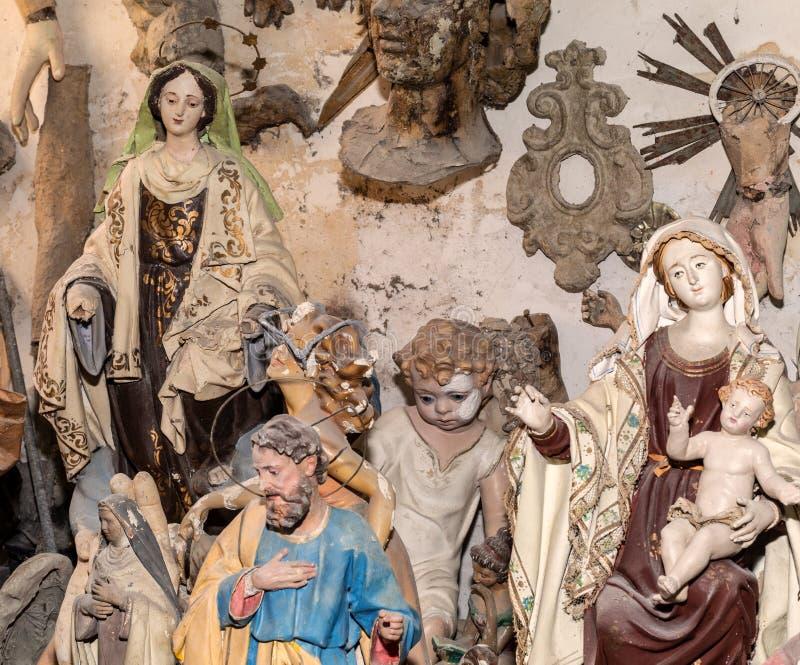 Ilustraciones en el estudio del artista stock de ilustración