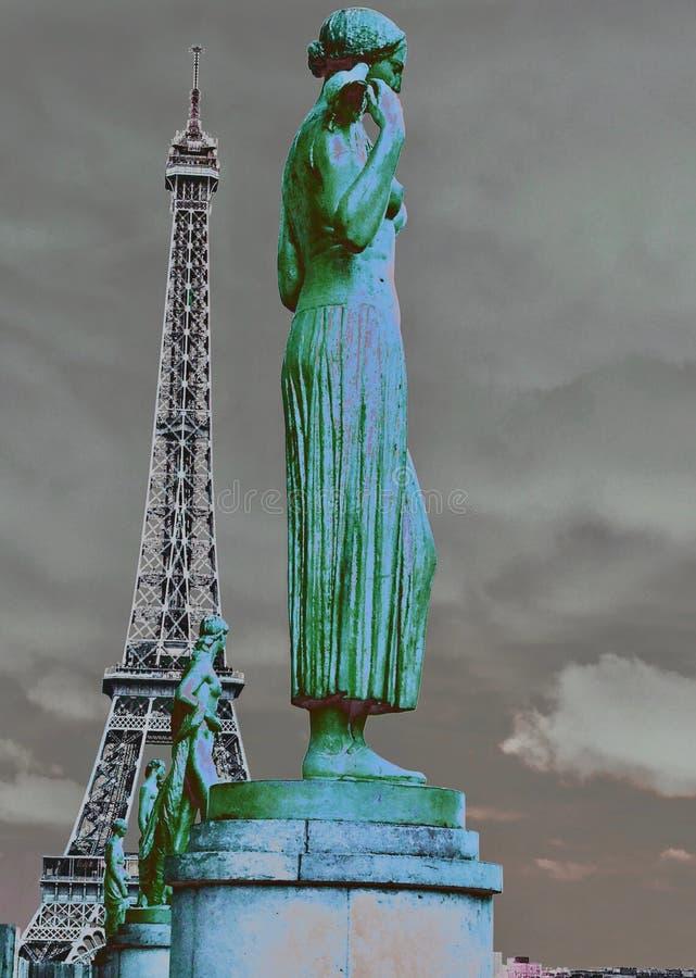 Ilustracyjne statuy 31 i wieża eifla fotografia royalty free