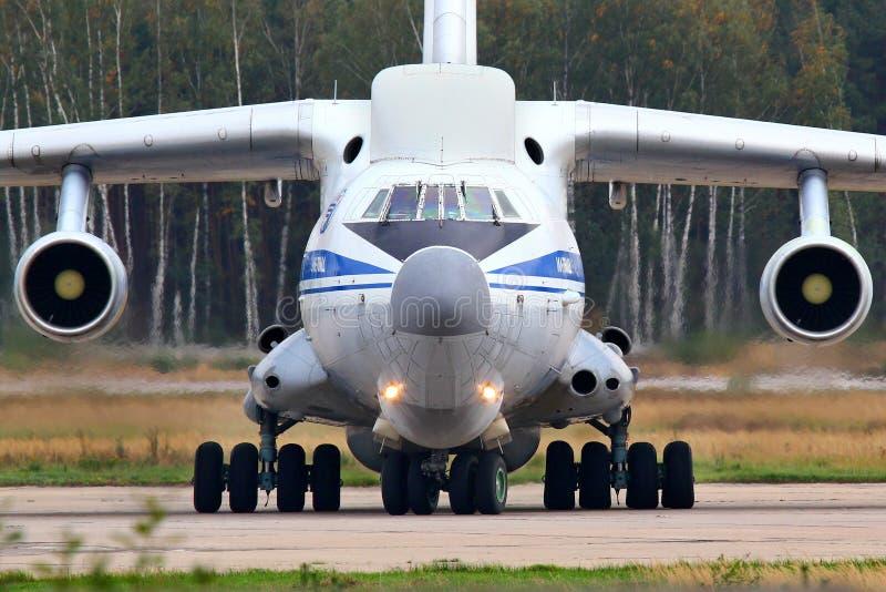 Ilyushin IL-76VKP IL-82 RA-76450 русской военновоздушной силы ездя на такси на стоковое фото