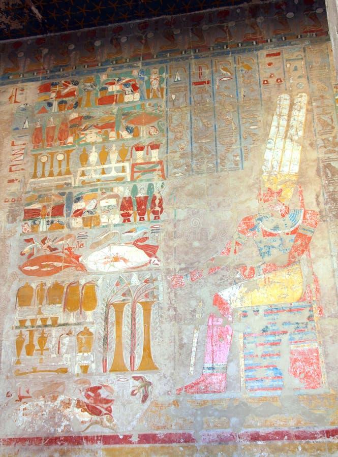 Imágenes antiguas de Egipto en el templo de Hatshepsut fotografía de archivo libre de regalías