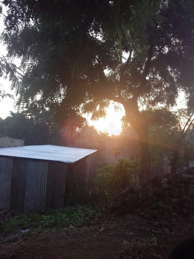imágenes de la sol y de la puesta del sol imagen de archivo libre de regalías
