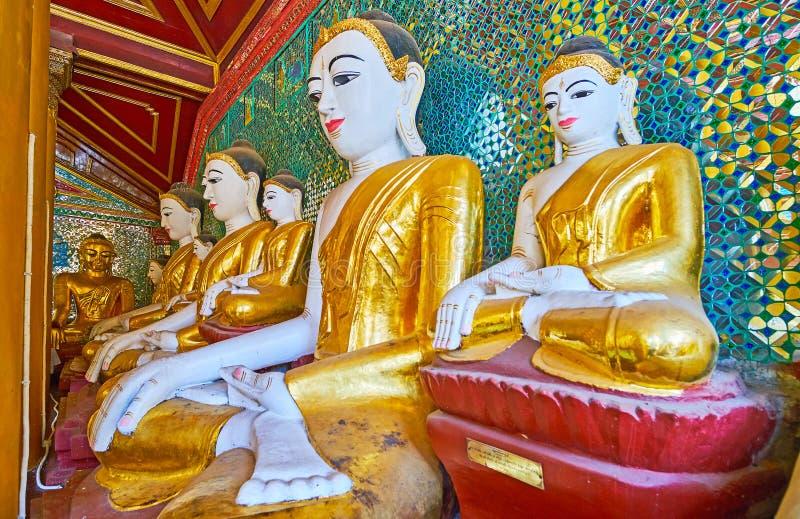 Imágenes en la capilla de la huella de Buda del complejo de Shwedagon, Rangún, imagenes de archivo