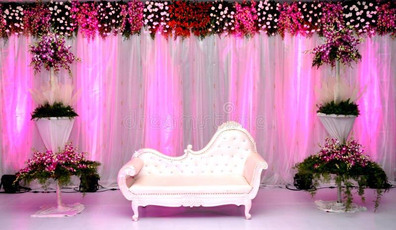 Imágenes hermosas de los decoradores de la etapa que se casan imagen de archivo