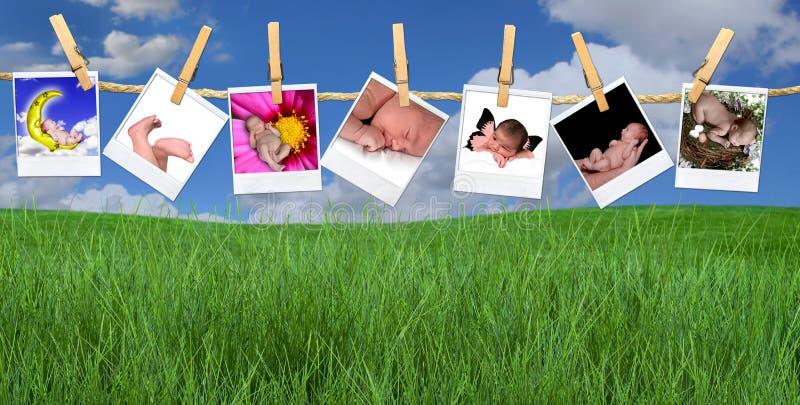 Imágenes infantiles múltiples que cuelgan al aire libre en un paño imagen de archivo libre de regalías