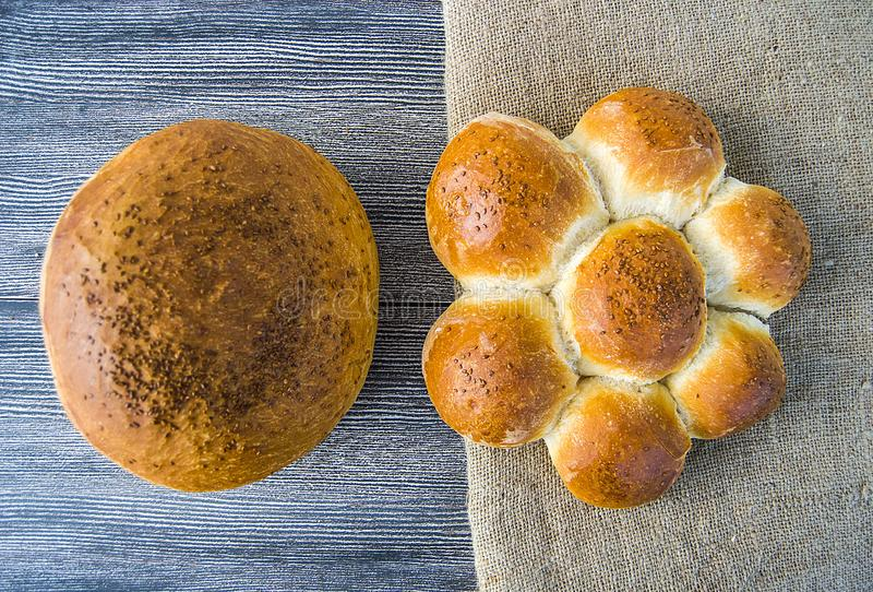 Imágenes naturales de la panadería del pan, tipos del pan del pavo, panes formados, variedades del pan del pan, diversos tipos de foto de archivo libre de regalías