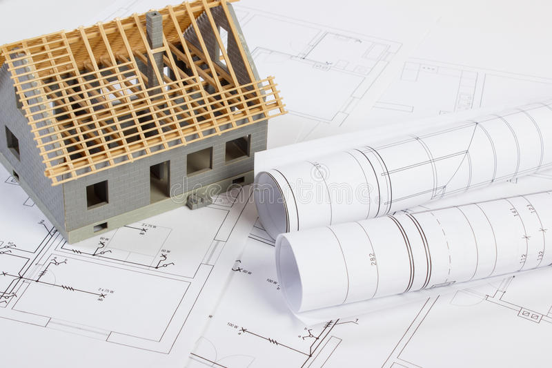Download Im Bau Und Elektrische Zeichnungen Des Kleinen Hauses, Konzept Des  Gebäudehauses Stockfoto   Bild