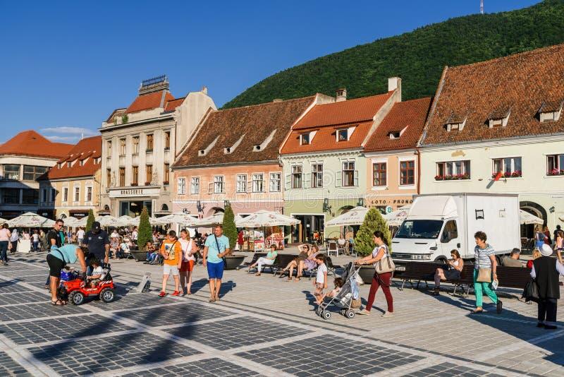 Im Brasov-Rats-Quadrat-Piata Sfatului Are Located The-Rats-Haus, in der alten Stadt und in der schwarzen Kirche lizenzfreies stockfoto