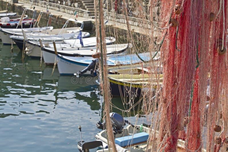 Im Fischereihafen von Camogli stockbild