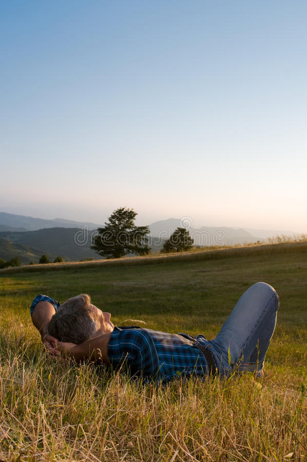 Im Freien entspannen Sie sich stockbild