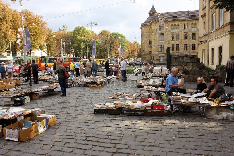 Im Freien Gebrauchtbuchmarkt lizenzfreie stockbilder