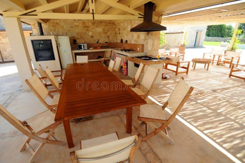 Im Freienküche der geöffneten Luft stockbild