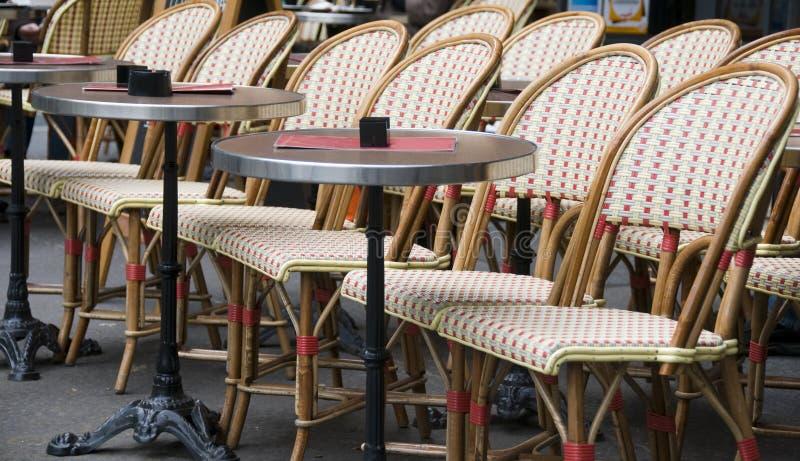Im Freienkaffee Paris Frankreich lizenzfreie stockbilder