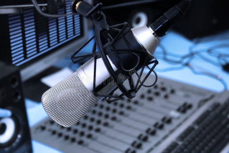 Im Radiostudio lizenzfreies stockbild