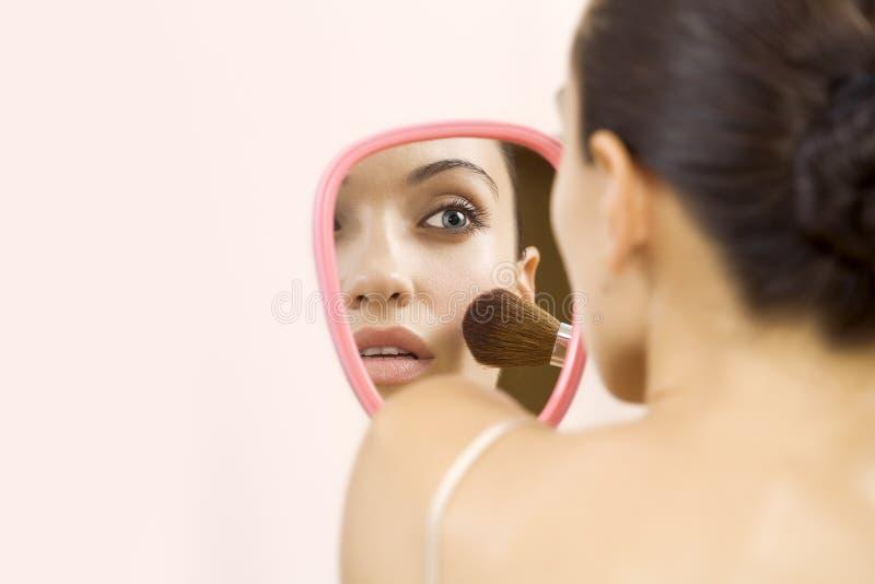 Im Spiegel stockfotografie