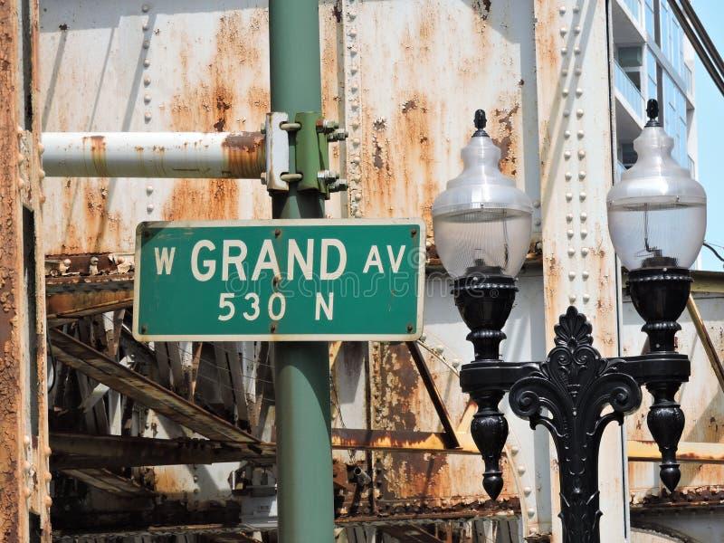 Im Stadtzentrum gelegene Chicago-großartige Allee rost stockfoto