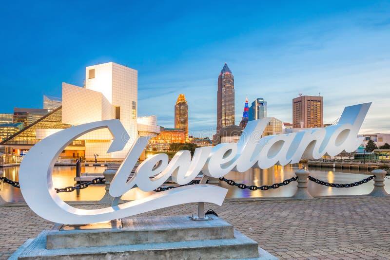 Im Stadtzentrum gelegene Cleveland-Skyline von der Seeseite in Ohio USA lizenzfreie stockfotografie