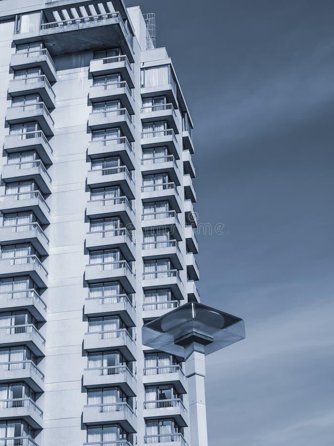 Im Stadtzentrum gelegene Gebäude Mississauga stockbilder