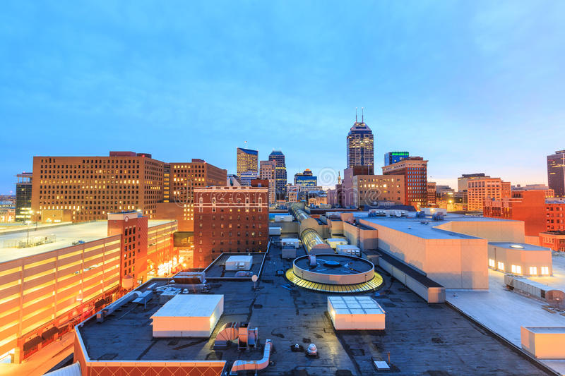 Im Stadtzentrum gelegene Indianapolis-Skyline stockfotos