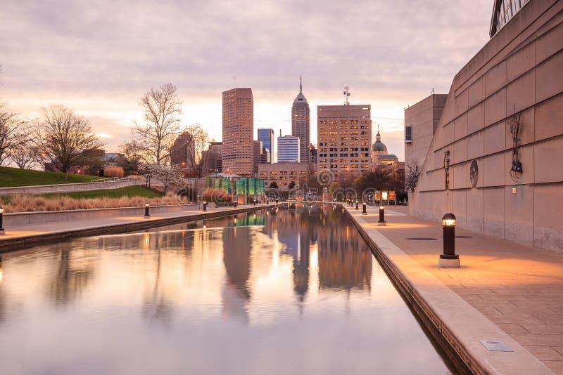 Im Stadtzentrum gelegene Indianapolis-Skyline lizenzfreie stockfotografie