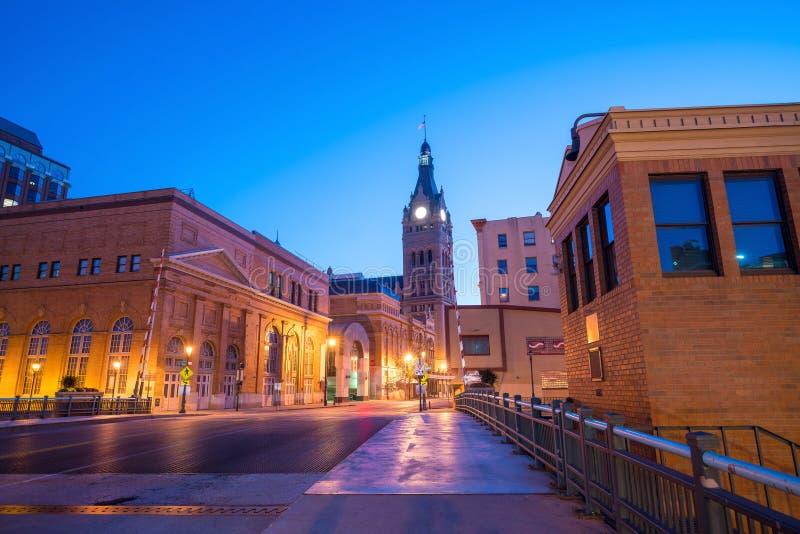 Im Stadtzentrum gelegene Milwaukee-Skyline in USA lizenzfreie stockbilder