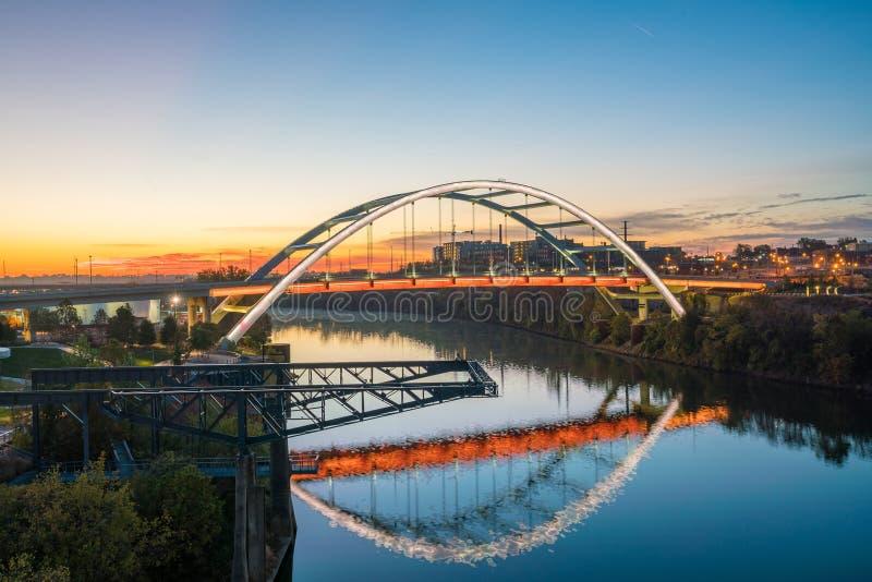 Im Stadtzentrum gelegene Skyline Nashville-, Tennessee stockfoto