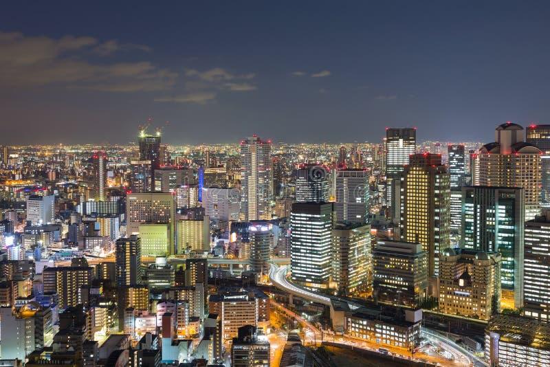 Im Stadtzentrum gelegene Skyline Osaka-Stadt in der Dämmerung lizenzfreie stockfotografie