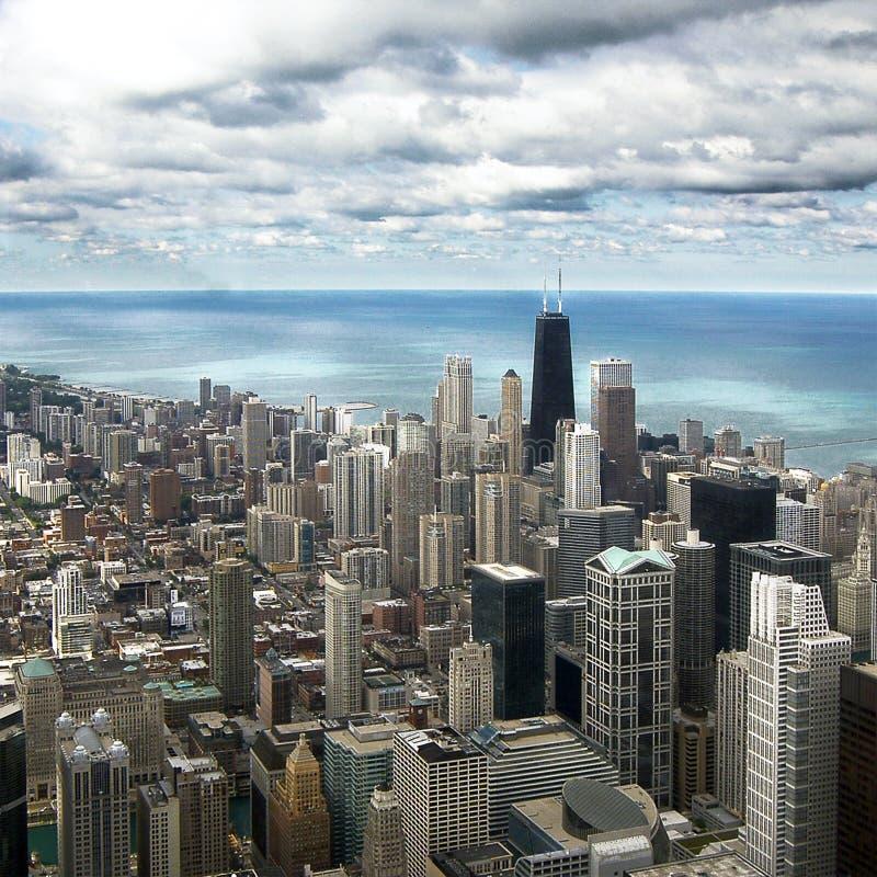 Im Stadtzentrum gelegene Vogelperspektive Chicagos von Willis Tower stockfotos