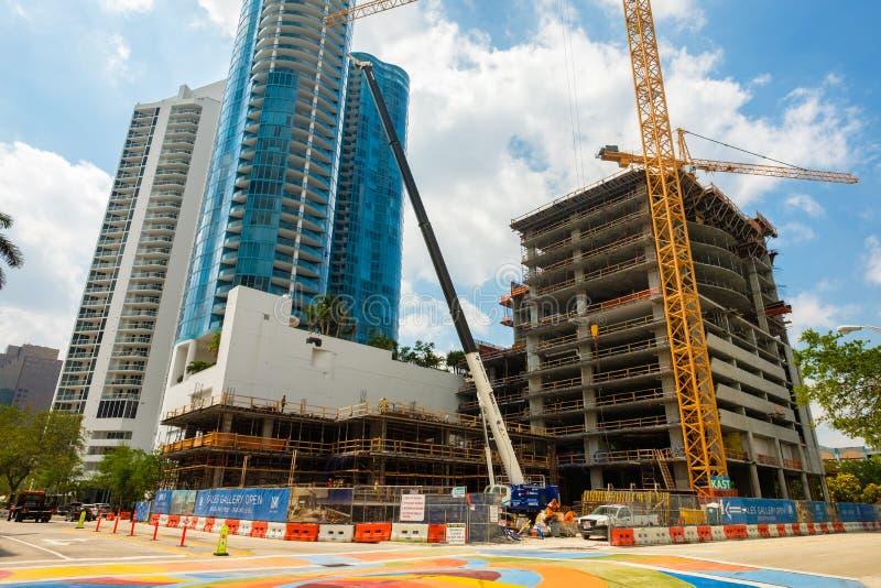 Im Stadtzentrum gelegener Fort Lauderdale-Bau stockfotografie