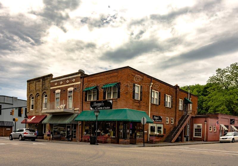 Im Stadtzentrum gelegener Loudon, TN stockbild