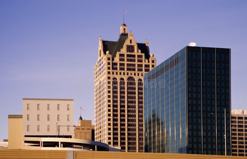 Im Stadtzentrum gelegener Milwaukee lizenzfreie stockbilder