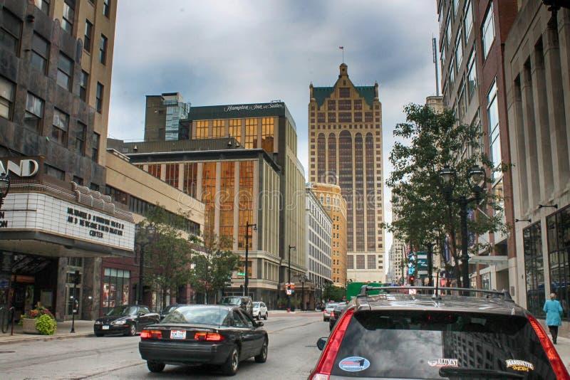 Im Stadtzentrum gelegener Milwaukee lizenzfreie stockfotos